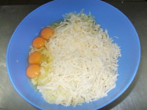 Crochete de cascaval cu cartofi