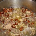 Tochitura de porc cu carnati